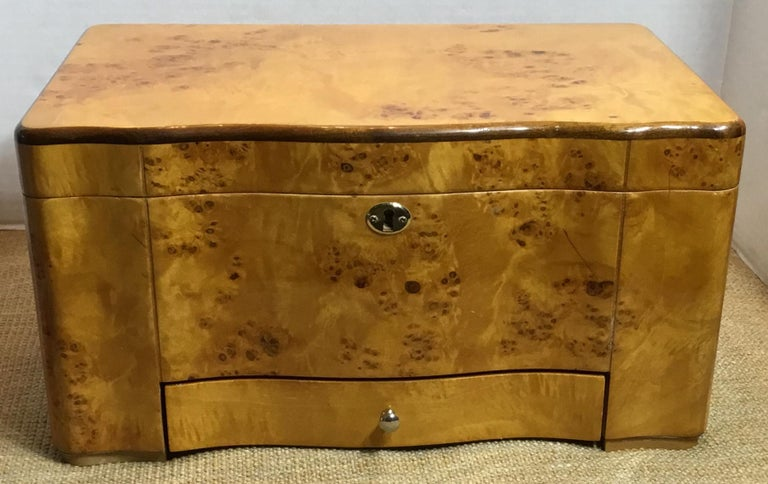 Vintage Burr Elm Humidor with Fitted Interior 7