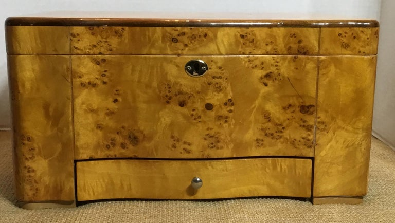 Vintage Burr Elm Humidor with Fitted Interior 8