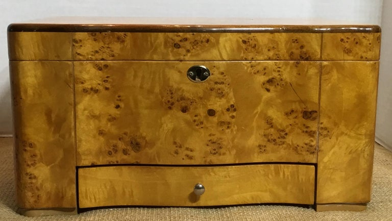 Vintage Burr Elm Humidor with Fitted Interior 9