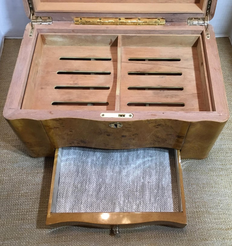 Vintage Burr Elm Humidor with Fitted Interior 3