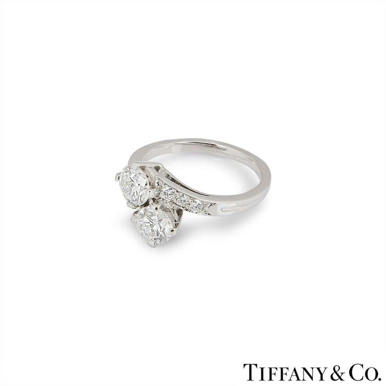 Tiffany & Co.  Vintage circa 1960s Diamond Engagement Ring in Platinum In Excellent Condition For Sale In London, GB