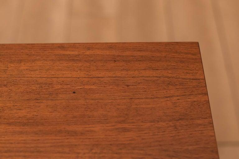 Vintage California Modern Walnut and Aluminum Six Drawer Dresser For Sale 4
