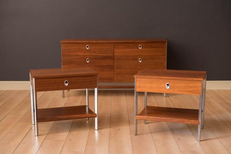 Vintage California Modern Walnut and Aluminum Six Drawer Dresser For Sale 1