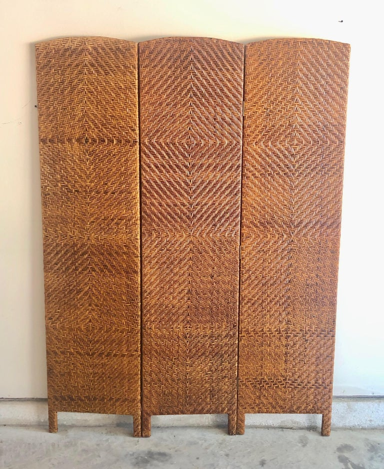 Vintage Cane Room Divider In Good Condition For Sale In Denton, TX