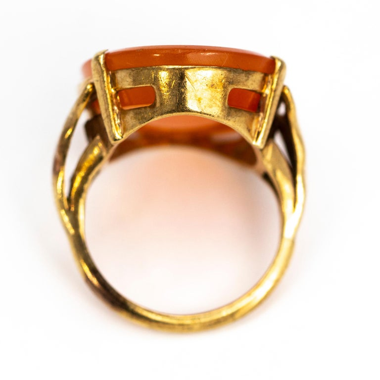 Vintage Carnelian and 9 Carat Gold Ring In Good Condition For Sale In Chipping Campden, GB