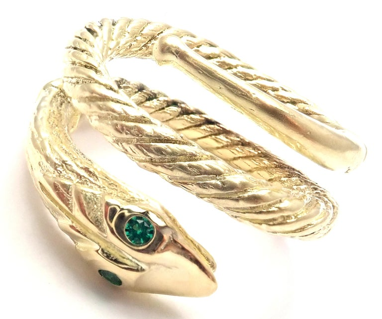 Vintage Cartier Emerald Snake Yellow Gold Band Ring In Excellent Condition For Sale In Holland, PA