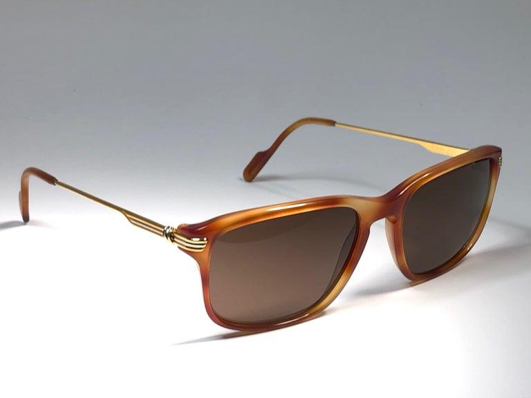 Women's or Men's Vintage Cartier Lumen 56 Tortoise 8k Gold Plated Accents 1990 Sunglasses France For Sale