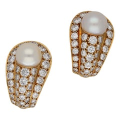 Vintage Cartier Pearl, Diamond and Gold Clip Earrings 3.52 Carat