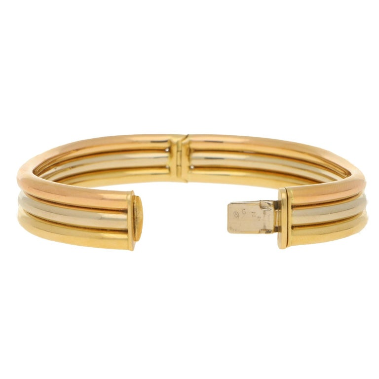 Vintage Cartier Trinity Bangle in 18K Tri-Colour Gold In Good Condition For Sale In London, GB