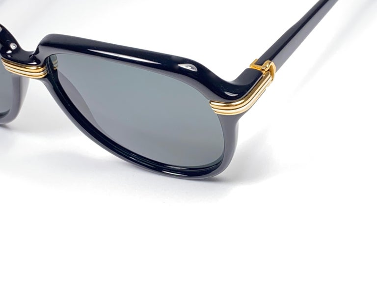 Women's or Men's Vintage Cartier Vitesse Black Gold Oversized 60mm Gold Plated Sunglasses France  For Sale