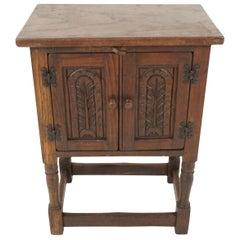 Vintage Carved Oak 2 Door Nightstand, End or Lamp Table, Scotland 1930, B2291