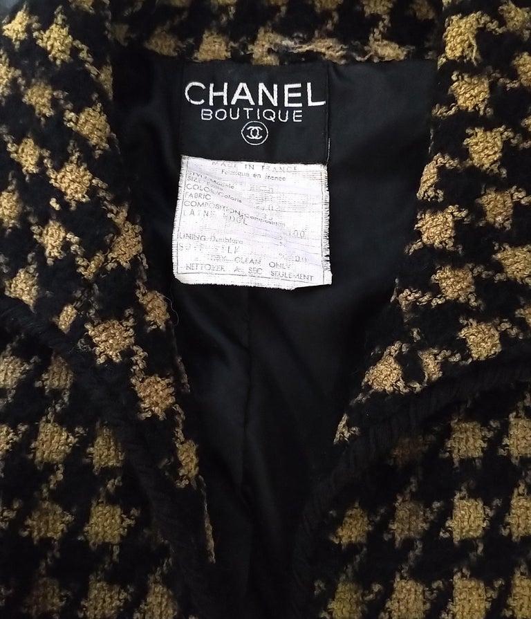 Vintage Chanel 1990's Black & Tan Fantasy Tweed Jacket Skirt Suit FR 40/ US 8 For Sale 10