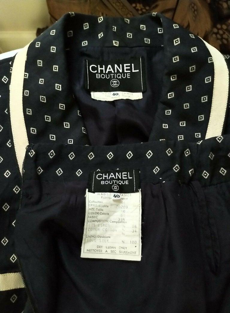 Vintage Chanel 1990's Navy & Ecru Diamond Jacket & Skirt Suit FR 40/ US 8  For Sale 5