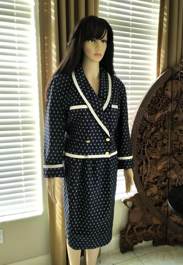 Black Vintage Chanel 1990's Navy & Ecru Diamond Jacket & Skirt Suit FR 40/ US 8  For Sale