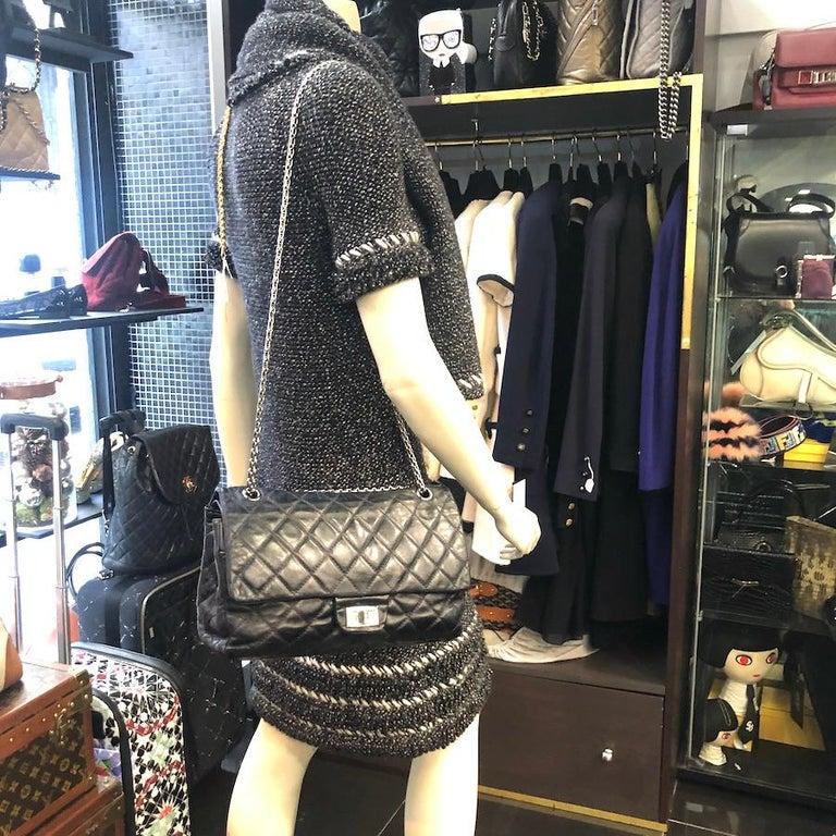 Vintage Chanel 2.55 Black Leather Handbag  For Sale 10