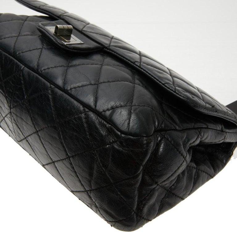 Vintage Chanel 2.55 Black Leather Handbag  For Sale 5