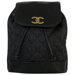 Vintage Chanel backpack in grey felt with black leather