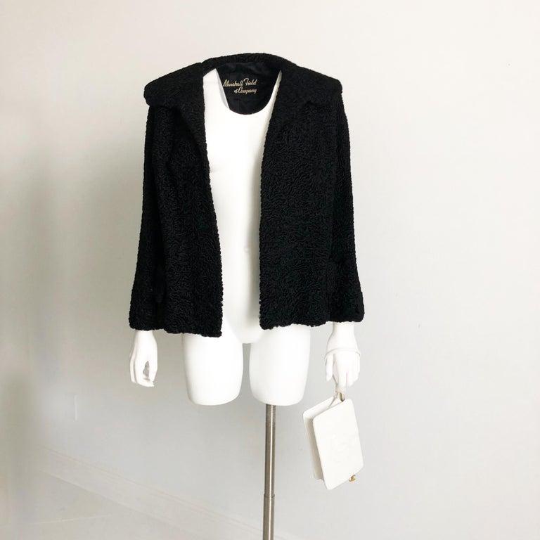 Gray Vintage Chanel Bag CC Logo Matelasse Clutch Wristlet White Leather Evening Bag