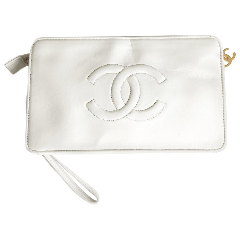 Vintage Chanel Bag CC Logo Matelasse Clutch Wristlet White Leather Evening Bag