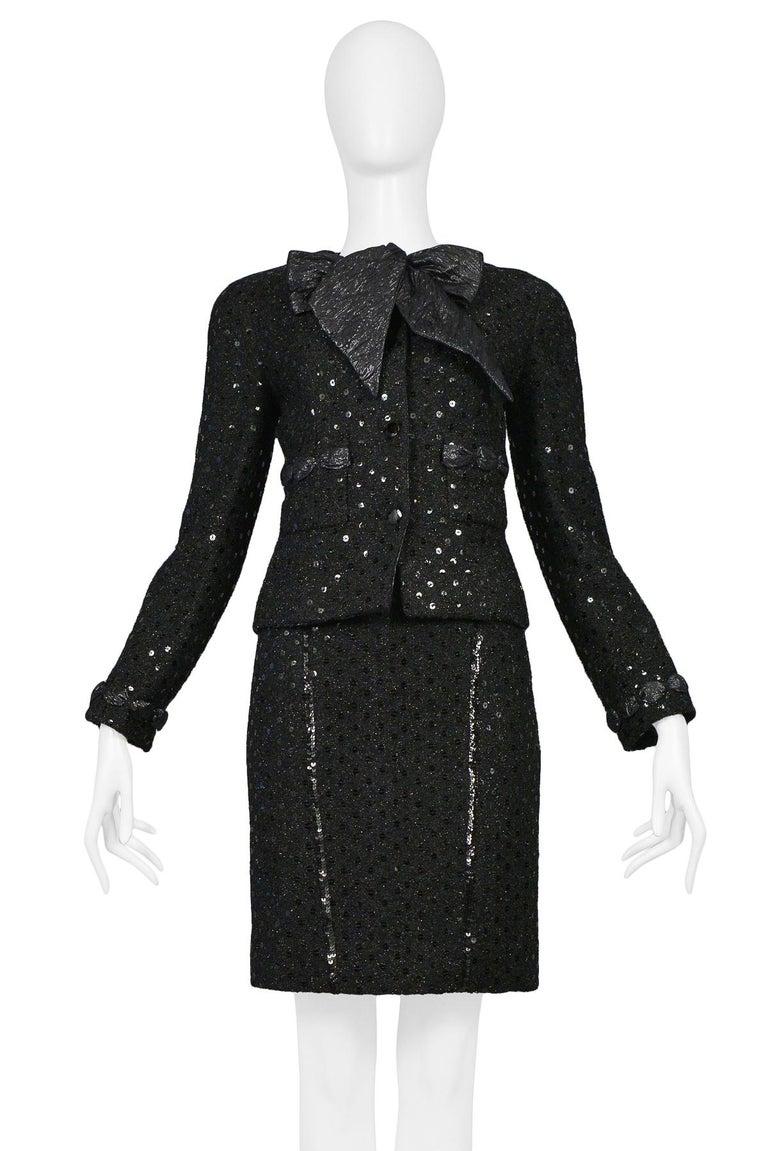 Vintage Chanel Black Boucle Sequin Skirt Suit Ensemble For Sale 1