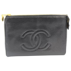 Vintage Chanel Black caviar leather Clutch / Pouch