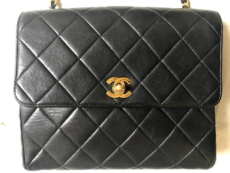 Vintage CHANEL black lamb leather 2.55 classic square shape shoulder bag with cc For Sale 6