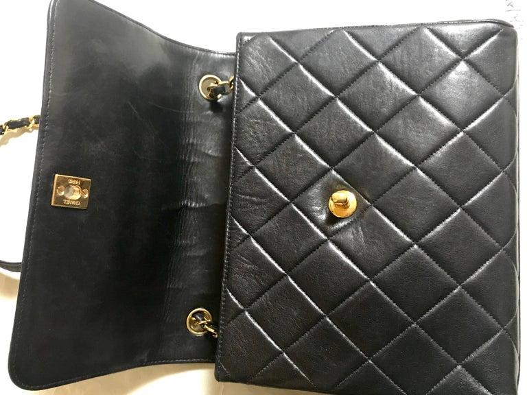 Vintage CHANEL black lamb leather 2.55 classic square shape shoulder bag with cc For Sale 11