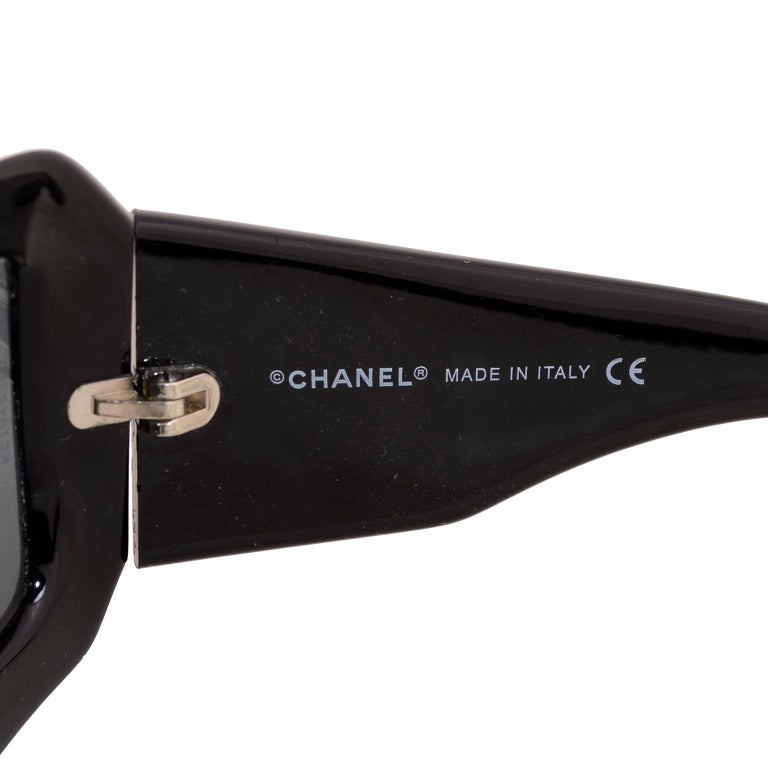Vintage Chanel Black Sunglasses With Monogram Interlocking Mother Of Pearl CC's For Sale 6