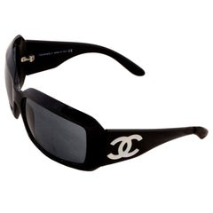 Vintage Chanel Black Sunglasses With Monogram Interlocking Mother Of Pearl CC's