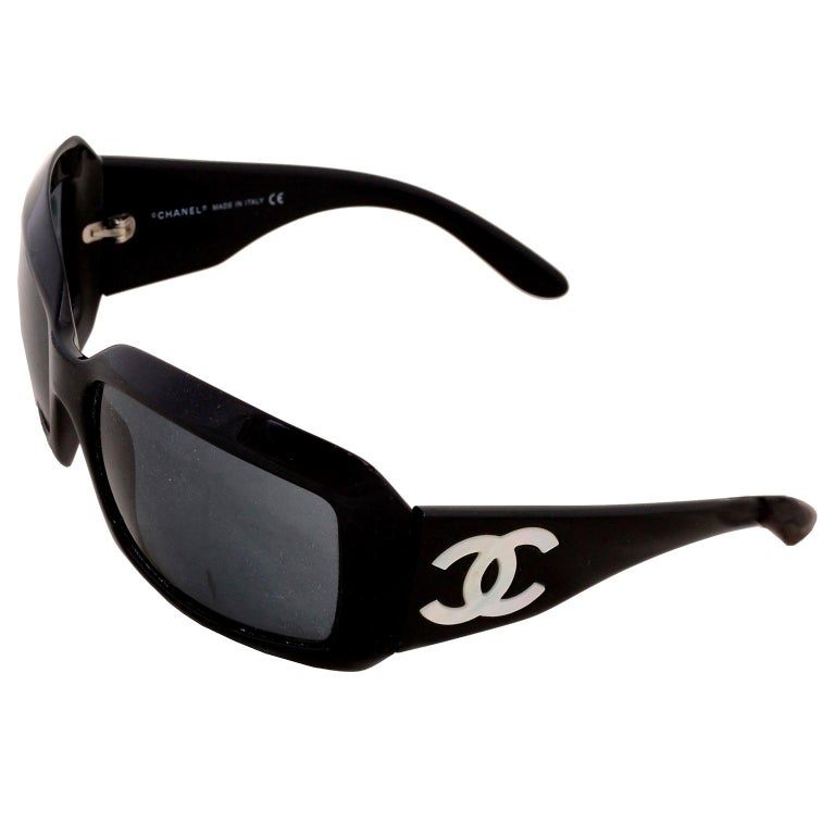 Vintage Chanel Black Sunglasses With Monogram Interlocking Mother Of Pearl CC's For Sale