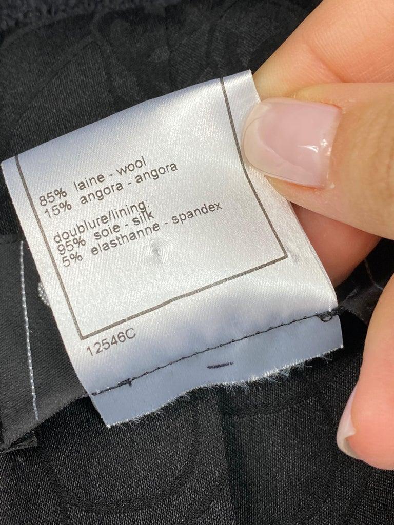 Vintage Chanel Black Tweed Blaze Jacket Size 38 For Sale 12