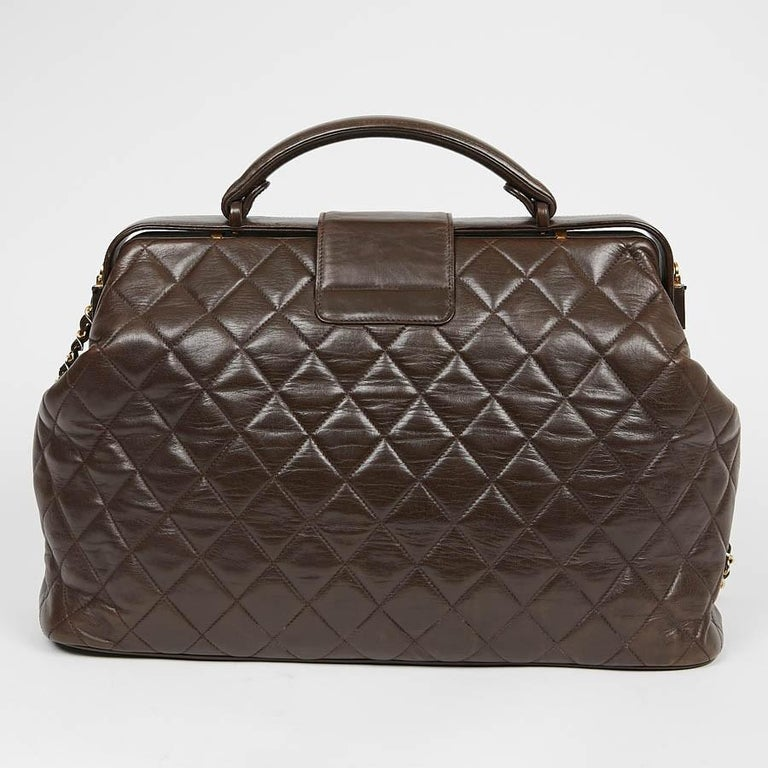Vintage CHANEL Brown Bowling Doctor Bag In Good Condition For Sale In Paris, FR
