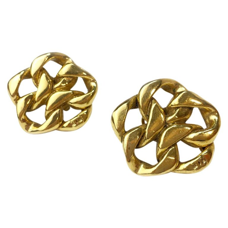 Vintage Chanel Clip On Earrings Gold Tone Chain and CC For Sale