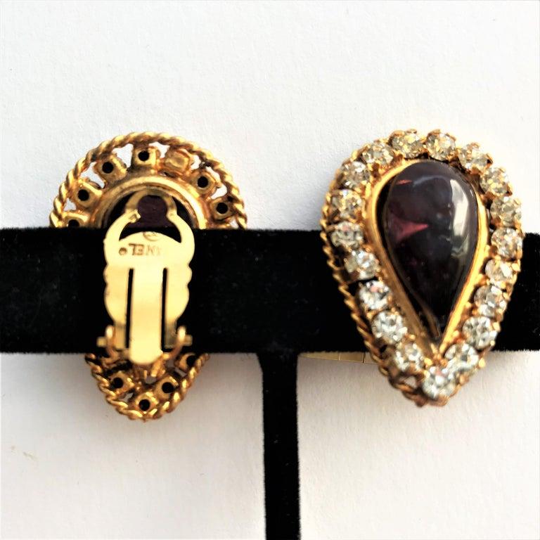 Women's Vintage Chanel ear clip Maison Gripoix 1970/80 gold plated For Sale