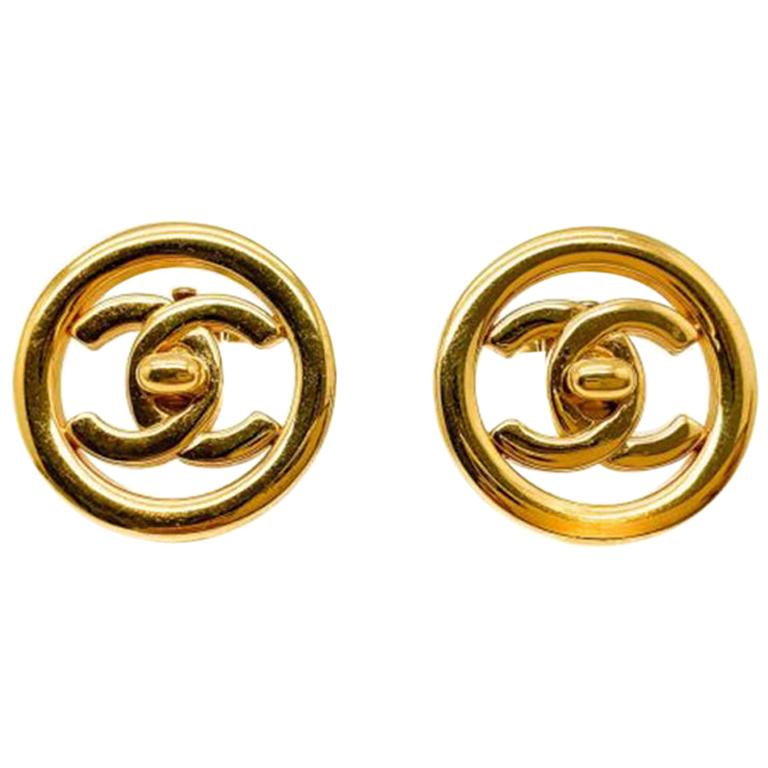 Vintage Chanel Gold Cc Turnlock Logo Clip Earrings 1997 For Sale