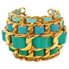 Vintage Chanel Green Gradient Lambskin Leather Curb Chain Chunky Cuff Bracelet