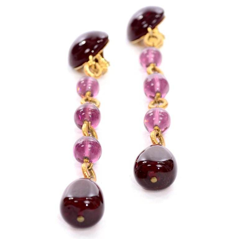 Vintage Chanel Gripoix Purple Drop Gold Earrings Victoire de Castellane  In Excellent Condition For Sale In Portland, OR