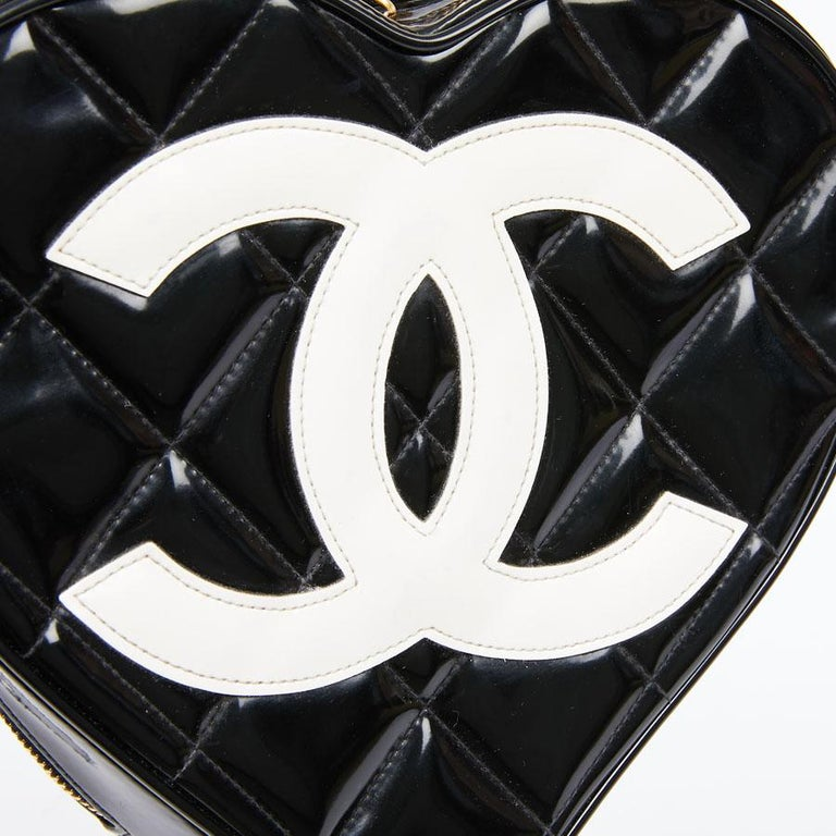 Vintage CHANEL Heart Bag For Sale 4