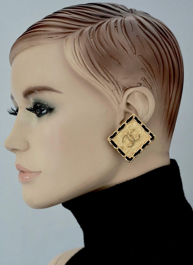Vintage CHANEL Logo Chain Leather Square Earrings For Sale 6