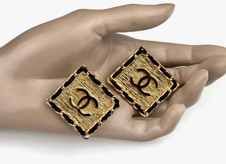 Women's Vintage CHANEL Logo Chain Leather Square Earrings For Sale