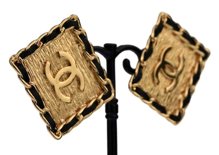 Vintage CHANEL Logo Chain Leather Square Earrings For Sale 1