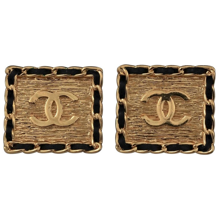Vintage CHANEL Logo Chain Leather Square Earrings For Sale