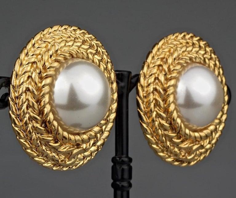 Vintage CHANEL Logo Pearl Braided Earrings For Sale 1