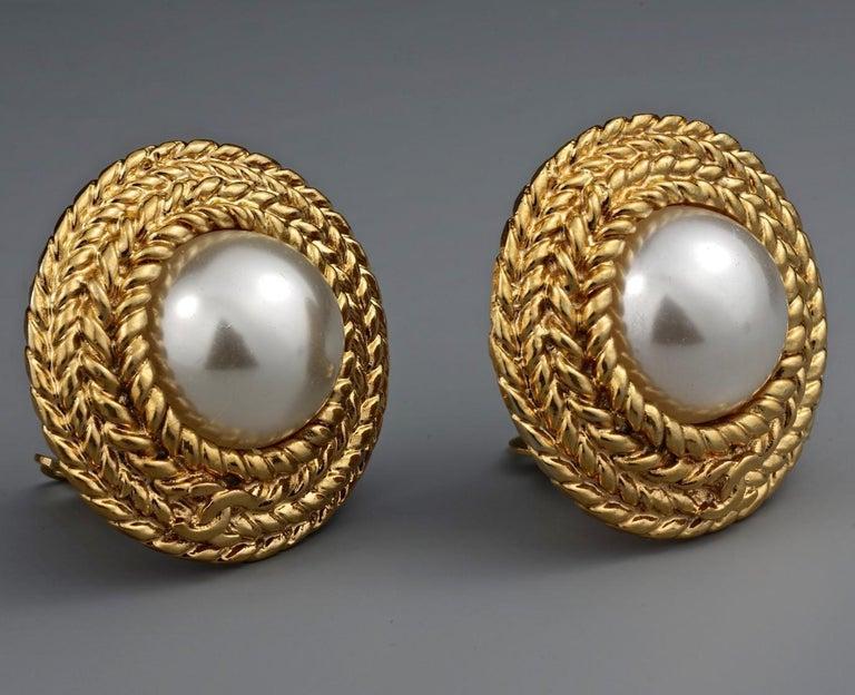 Vintage CHANEL Logo Pearl Braided Earrings For Sale 3