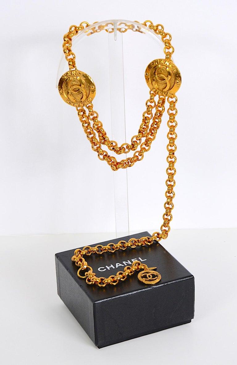 Vintage Chanel medallion gold chain belt 28/6120  For Sale 4