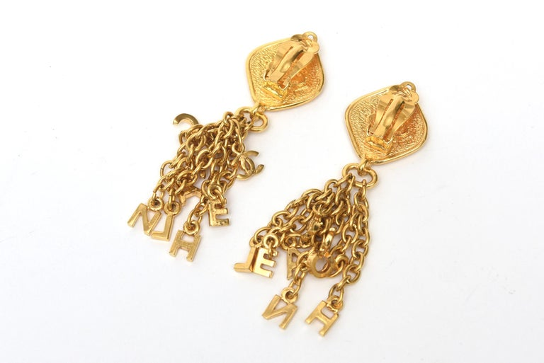 Chanel Gold Plated Charm Dangle Clip On Earrings Vintage In Good Condition For Sale In North Miami, FL