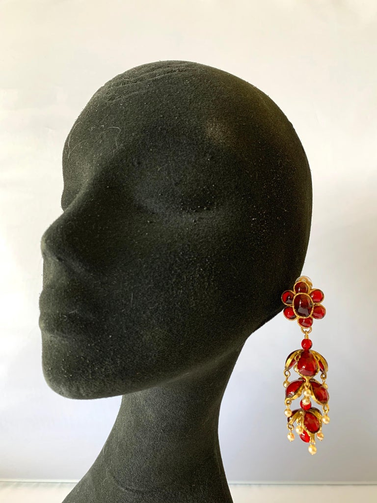 Vintage Chanel Ruby and Pearl Mughal Statement Earrings In Excellent Condition For Sale In Palm Springs, CA