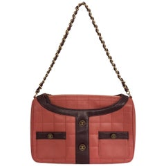 Vintage Chanel shoulder bag in red lambskin leather with purple leather details