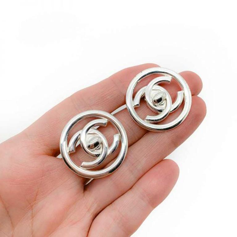 Vintage Chanel Silver Turnlock Cc Logo Earrings 1997 In Excellent Condition For Sale In Wilmslow, GB