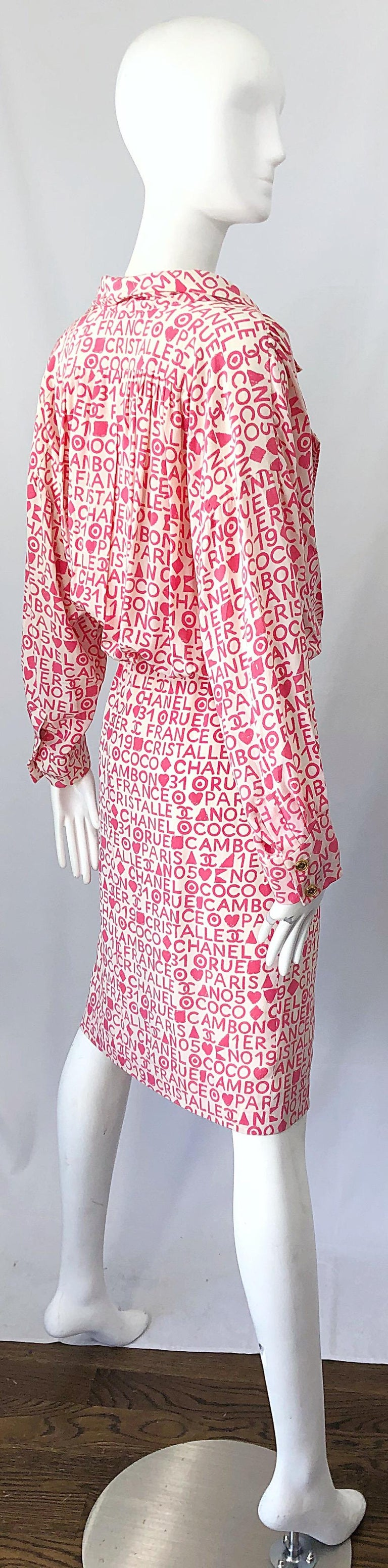 Vintage Chanel Size 44 / 14 Pink and White Logo Print 1980s Silk 80s Shirt Dress For Sale 8